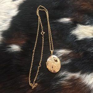 Jewelry - Butterfly locket